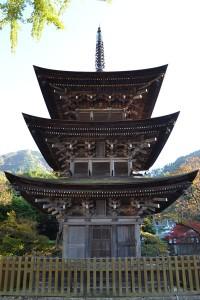 前山寺三重塔1