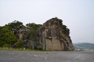 違う角度から見た獅子岩