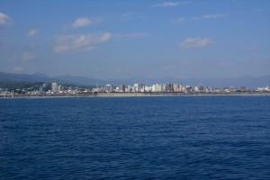海から見た小田原中心街その二