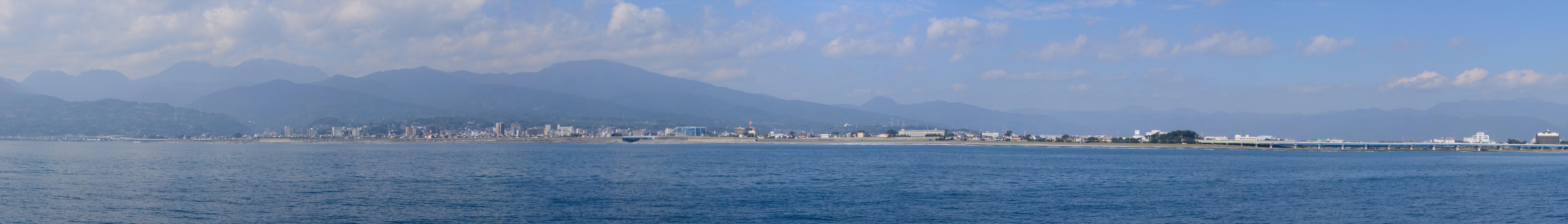 海から見た小田原(早川から酒匂川まで)